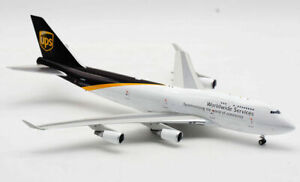 1:200 INF200 UPS Boeing 747-400 N578UP With Stand