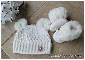 Crochet baby booties & hat, White booties, teddy bear hat, White Fur booties