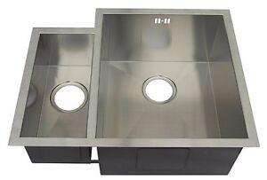 600 x 480mm 1.5 Bowl Handmade Stainless Steel Undermount Kitchen Sink (DS034R)