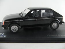 IXO #30 Opel Kadett D GT/E (1983-1984) in schwarz 1:43 NEU/PC-Vitrine