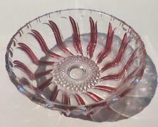 Plat en cristal zébré de rouge