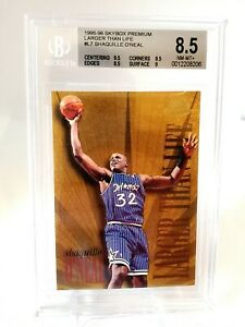 (010) 1995-96 Skybox Premium Larger than Life Shaquille O'Neal #L7 BGS  8.5 HOF