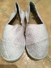 Girls Tu Canvas Shoes Size 11