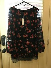 White House Black Market Floral Blouse Size 10. New with tags