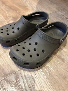 Genuine Crocs Shoes Sandals  Sz 6 Chocolate Brown