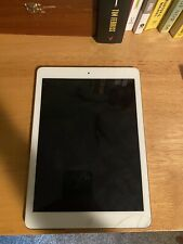 Apple iPad Air 1st Gen. 16GB, Wi-Fi, 9.7in - Silver (CA)