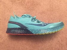 mizuno women's everun size 10 worn once, light weight great running shoe!