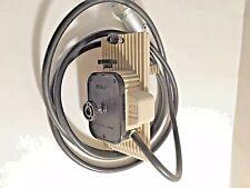 Nikon Hbo 100 Fluorescence Lamp Socket For Nikon Microscopes Old Style Used