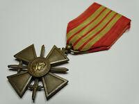 Médaille, croix de guerre 1939-1940 avec son ruban d'origine / 15