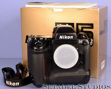 NIKON F5 BLACK SLR CAMERA BODY W/ BOX NEAR MINT