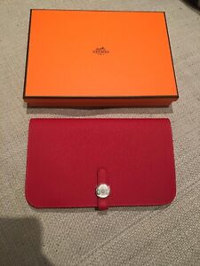 HERMES PORTEMONNAIE DOGON DUO TOGO ROUGE VIF UNISEX SILVER NEW