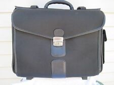 "Foray Business Rolling Portfolio Case Cary On 17' X 13"" X 11"" With Keys UEC"