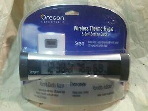 Wireless Thermo-Hygro Self Setting Projection Clock Oregon Scientific Rmr616hgpa