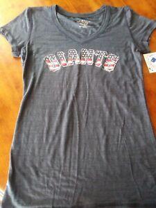 NY Giants  Womens Curvy V-Neck Tee Navy Holiday colors Size S