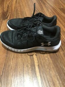 Under Armour Women's Size 8.5 Sneakers Running Shoes Black & Turquoise Pre-Owned