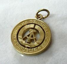 Kettenanhänger DDR Emblem gesägt aus einem 20 Pfennig Stück
