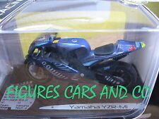 1/18  MOTO GP YAMAHA YZR M1 ALEX BARROS TEAM TECH 3 SOLIDO EN BOITE