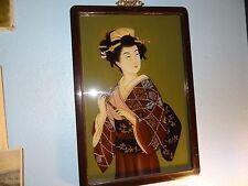 Peinture fixé sous verre Chine début XXe jeune femme au rouleau