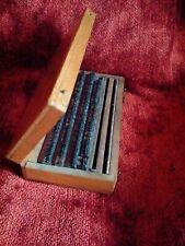 Rare petite boîte d'imprimeur miniature lettres en métal imprimerie Paris