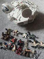 Hasbro Star Wars Millennium Falcon + 16 LFL Figures