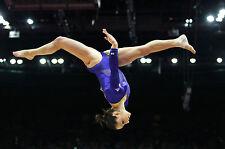 Incorniciato stampa-Olympic Gymnast mid-air frazionamenti (Ginnastica PICTURE ANELLI MAT ART)