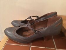 Clarks womens shoes. Size 5.5
