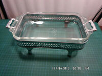 """Anchor Hocking 432 10"""" 1.5QT Glass Casserole Dish w/ Silver Plated Tray"""