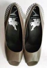 8faf455801c2 Vagabond Damen sexy Leder Schuhe Pumps mit Nieten Gr. 40 khaki Top !