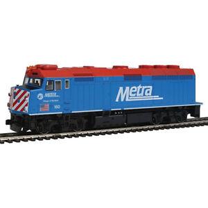 Kato 37-6572 EMD F40PH Commuter Version Chicago Locomotive Metra #160 HO Scale