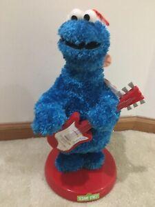 Gemmy Sesame Street Cookie Monster Sings Christmas Songs No Movement Used