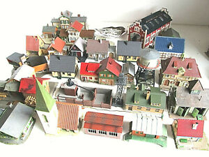 26 Gebäude für Modellbahnbastler in Spur H0