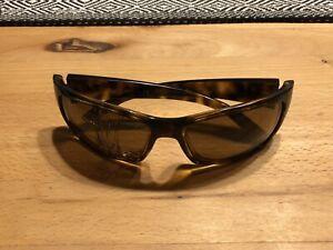 Ray Ban Polarisierte Sonnenbrille 4149 RB4149 braun 3P rechtes Glas gesprungen