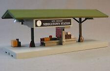MTH LIGHTED MIDDLETOWN STATION OPERATING FREIGHT PLATFORM o gauge train 30-9184