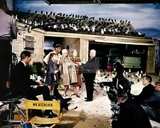 "DIRECTOR ALFRED HITCHCOCK AND CAST ON THE SET OF ""THE BIRDS"" 8X10 PHOTO (DA-798)"