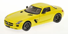Mercedes Benz SLS AMG 2010 Yellow 1:18 Model MINICHAMPS