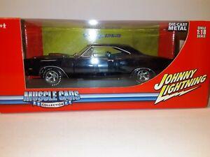 "1:18 ""Johnny Lightning"" 1969 Dodge Coronet 'Super Bee'"