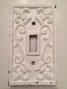 Rustic Cast Iron French Fleur De Lis Light Switch Outlet Plate Painted Used  BD3