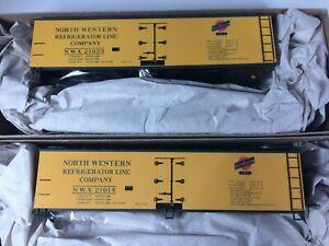Accurail 1226 (2 Car Set) 40' Wood Reefer North Western #21023, 21014 - unbuilt