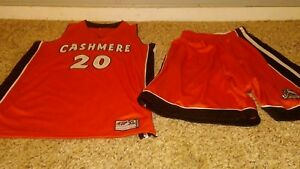 INTREPID SPORTSWEAR CASHMERE # 20 JERSRY AND SHORTS SET XL USED EX COND.