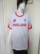 EURO 2012 - WHITE / RED FOOTBALL T-SHIRT 100% POLYESTER  T-Shirt Size XLarge