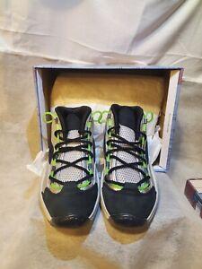 Reebok Minion Question Mid Basketball Shoes Size 9.5