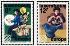 Timbres Europa Folklore Luxembourg 981/2 ** lot 20553