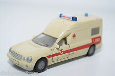 SIKU 1931 MERCEDES BENZ BINZ A 2002 AMBULANCE 112 EXCELLENT