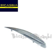 0066 CRESTA PARAFANGO CROMATA VESPA 50 R L N 125 ET3 MODELLO PICCOLA - BICASBIA