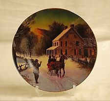 Old Vintage 1988 Avon Christmas Plate w 22K Gold Trim Home For The Holidays
