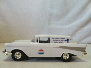 JLE Scale Models diecast Standard Oil 57 Chevy Nomad, Bank w/ Key