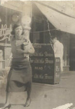 VINTAGE PORTRAIT OF AFRICAN AMERICAN WOMAN READING THE PITTSBURGH SUN TELEGRAPH