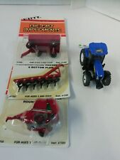 Britains 43014 Tractor 1: 64 Range New Holland T7030 +3 Implements all new