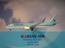 Hogan Wings 1:400 Boeing 737-900 Korean Air HL7718  LI9109 + Herpa Wings Katalog