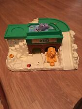 Vintage FPLP Fisher Price Little People #916 Zoo Playset Structure 1984